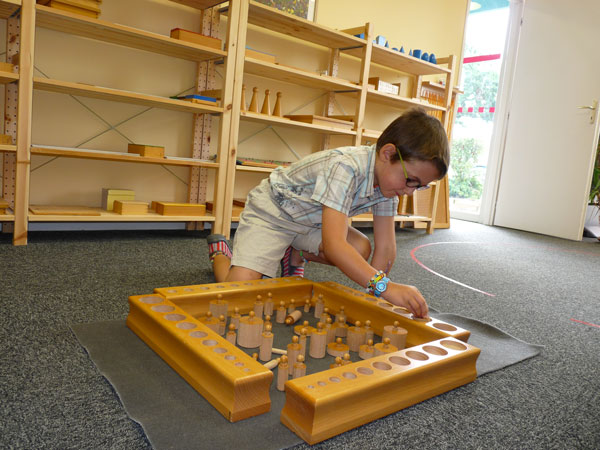 cylindres-a-boutons-montessori
