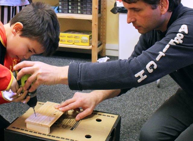 Sciences électricité à l'école Montessori Internationale de Bordeaux-Gradignan