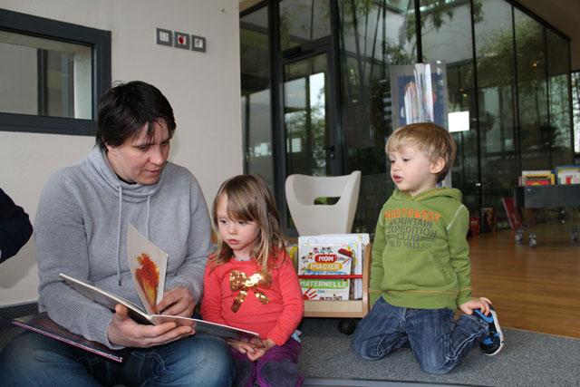 Lecture conte : école Montessori Internationale de Bordeaux-Gradignan