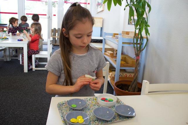 Ecole montessori International Bordeaux - fille -tri