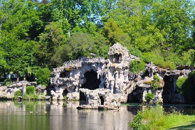 grotte - parc Majolan - école Montessori Internationale Bordeaux