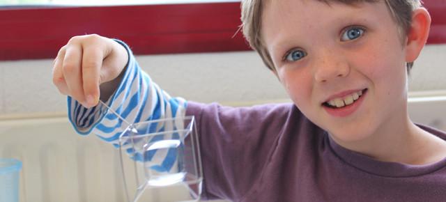 Des expériences de physique en Montessori
