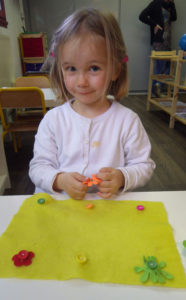 boutonner printemps montessori