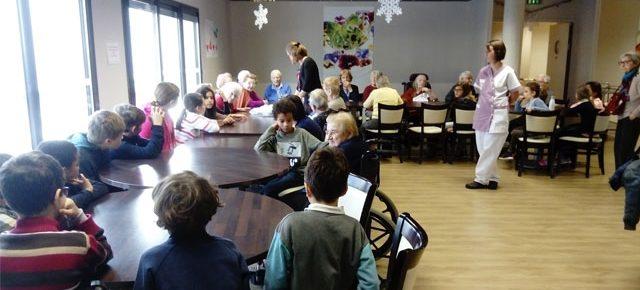 Rencontre intergénérationnelle pour l'école Montessori